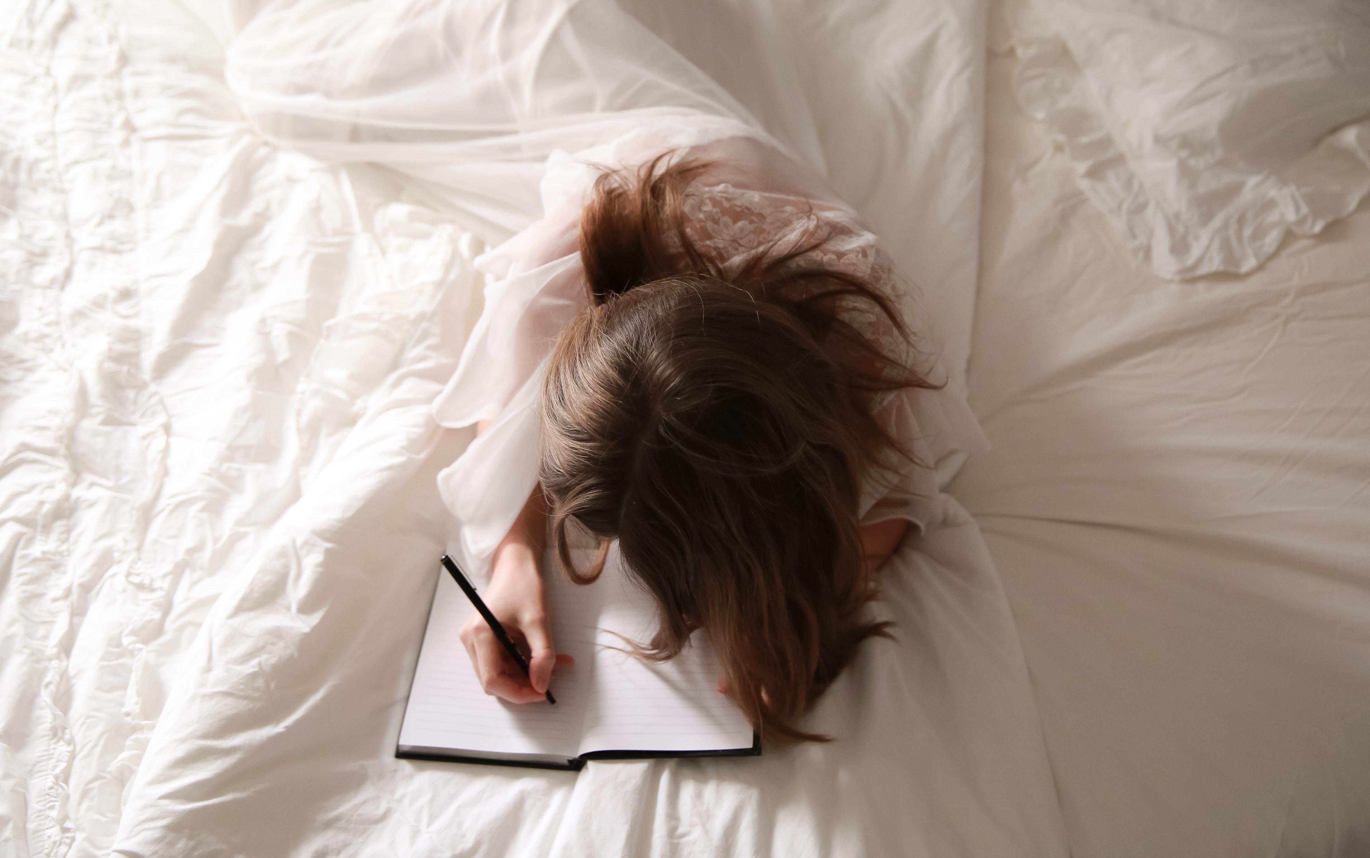 Escribir en el cuerpo: Yoga y journaling