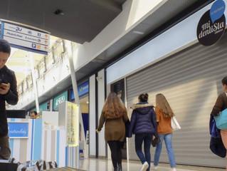 Decenas de afectados por el cierre de otra clínica dental en Madrid