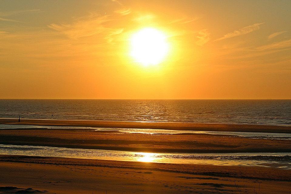 sunset-1599896_960_720.jpg