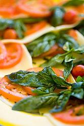 Tomates frescos e queijo