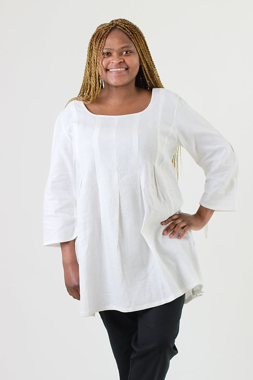 Susan: Box Pleat linen blouse with 3⁄4 sleeves and round neckline