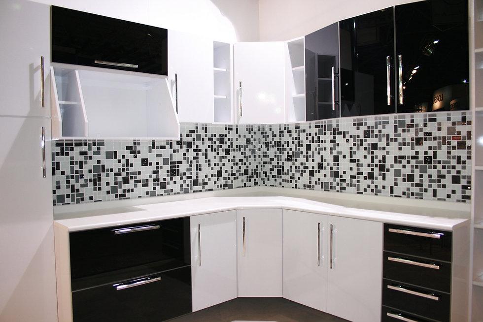 Cozinha-com-pastilha-preto-e-branco.jpg