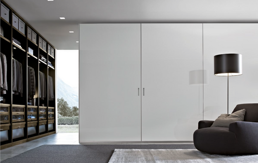 POLIFORM WALK IN CLOSET