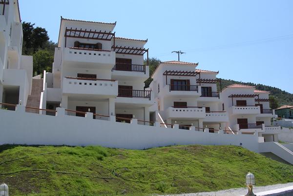 30 Apartments Complex