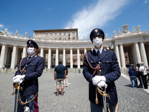 Cyber spionaggio in Vaticano, hacker cinesi attaccano i server del Papa
