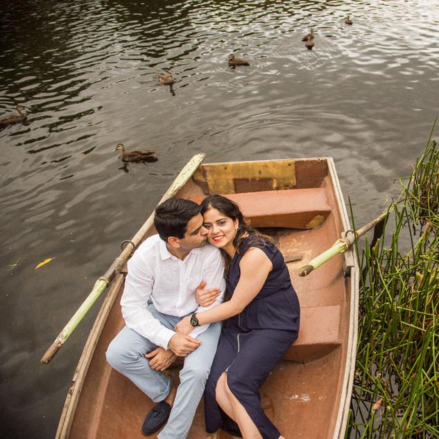 Namita Pre wedding (boat)-157.jpg