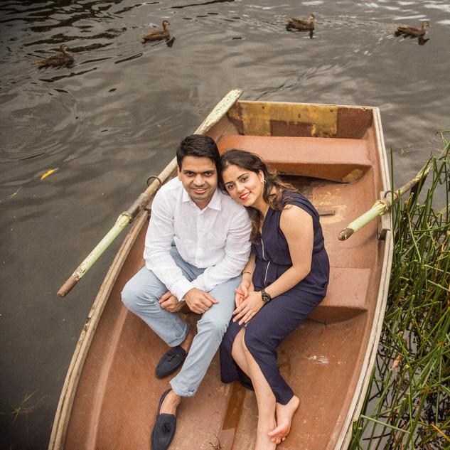 Namita Pre wedding (boat)-143.jpg