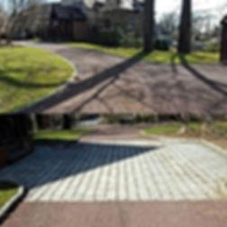 Gravel Driveways & Cobblestone Apron