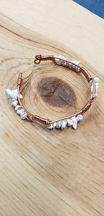 Howlite Chippes Bracelet