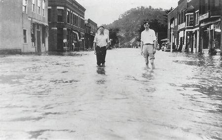 soldiers-grove-flood-in-1940s.jpg