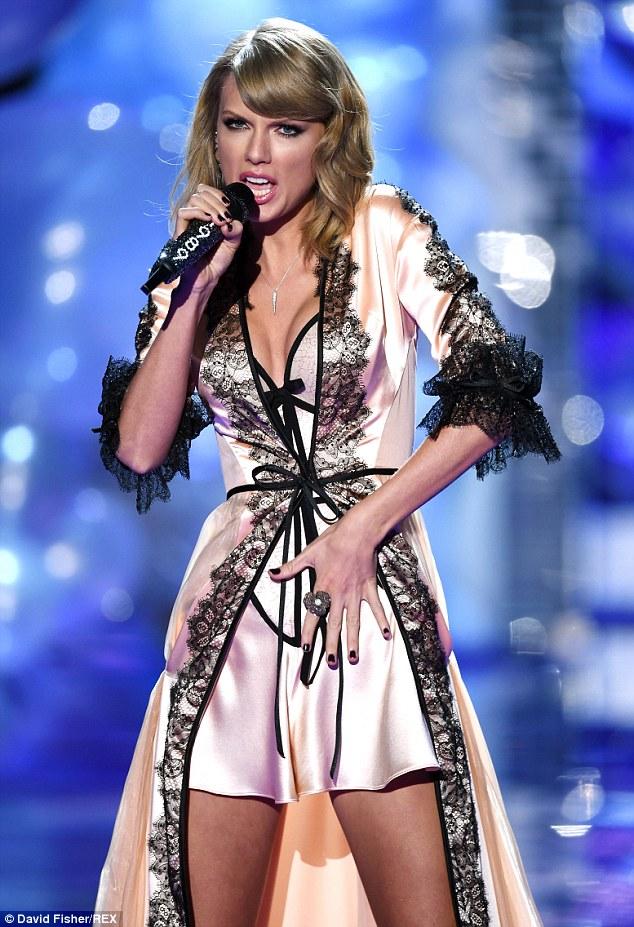Taylor Swift The Blastersfapworld