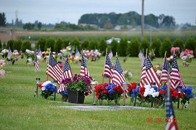 Memorial Day Service Cemetary.jpg