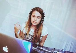 METADINHA (DJ RESIDENTE)