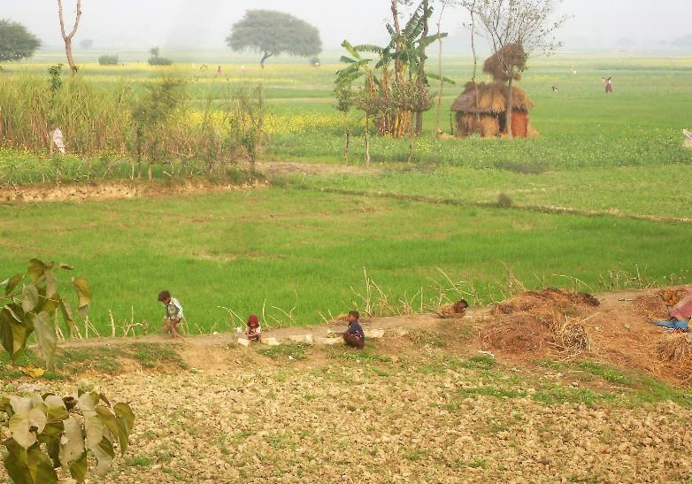 Indian children playing in the countryside in Uttar Pradesh