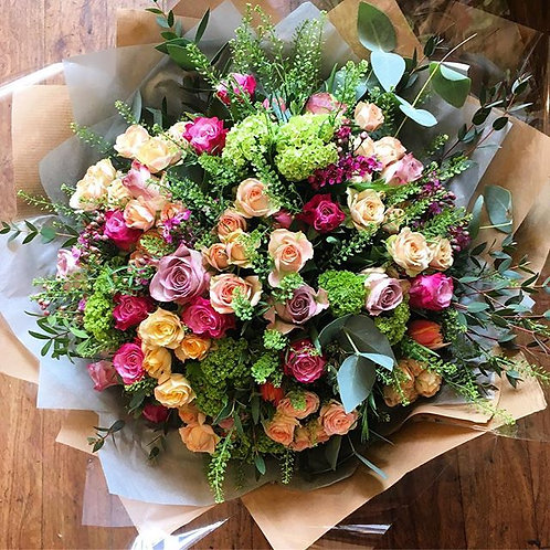 Extra large deluxe mixed rose bouquet