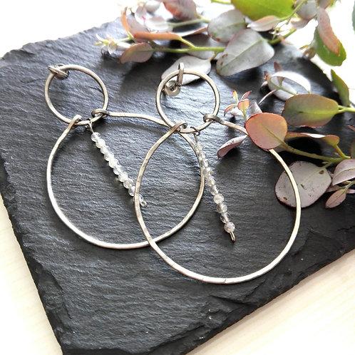 """Boucles d'oreilles acier inox martelé et pierres fines brillantes """"Aurore"""""""