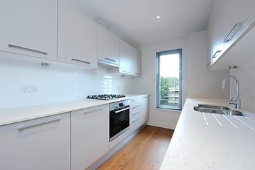 23.F40 Kitchen-004.jpg