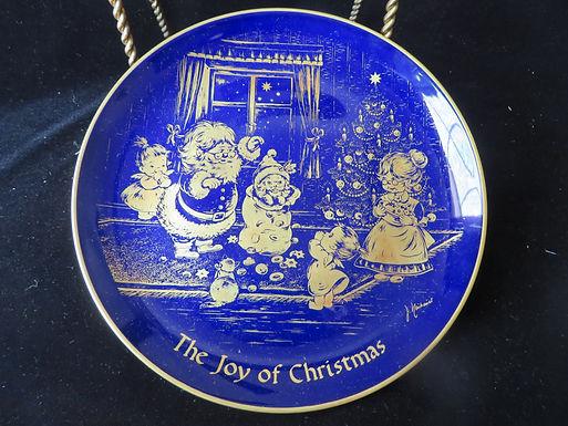 Christmas 1976 Collector's Plate