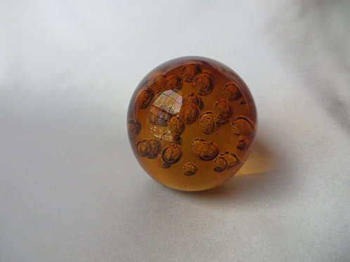 Gorgeous Controlled-Bubble Paperweight