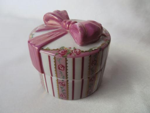 """A Mother's Love"" Porcelain Music Box"