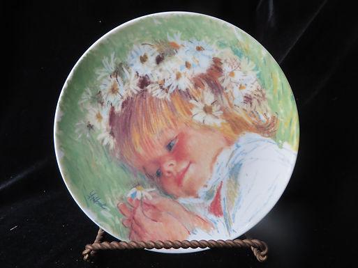 """Daisy Dreamer"" Collector's Plate"