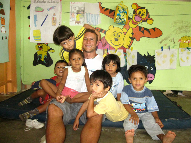 VOLUNTEER PROGRAMS IN MANTA