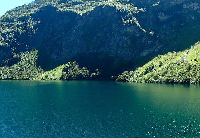 Lac-D'Oo-Pyrénées-randonnée-bivouac-hexa