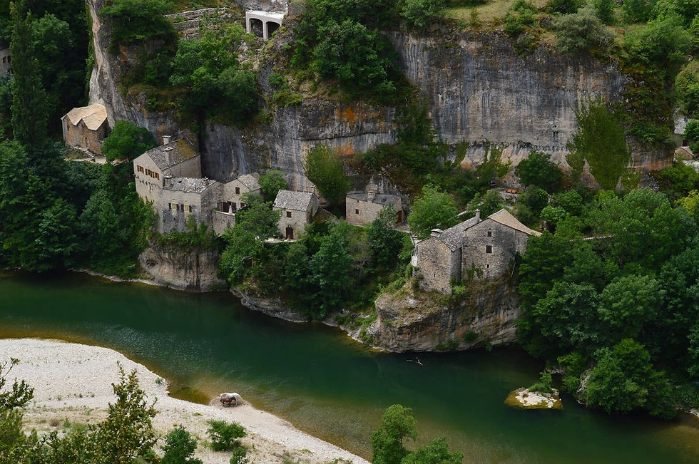 Castelbouc-Hexatrek-Randonée-Riviere-gor