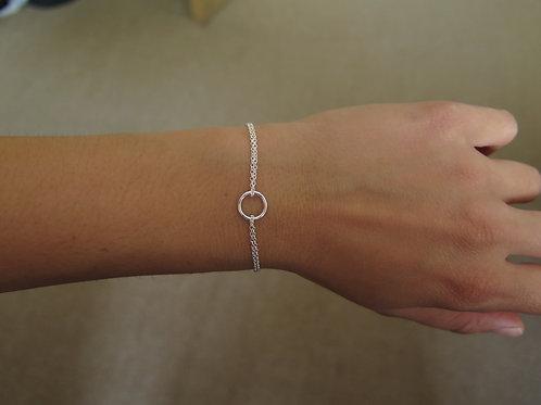 Open circle double chain bracelet