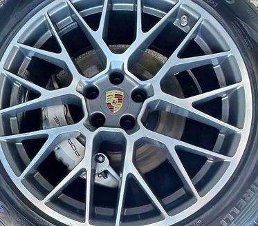 Porsche%2520SUV%2520Detailing%2520wheels