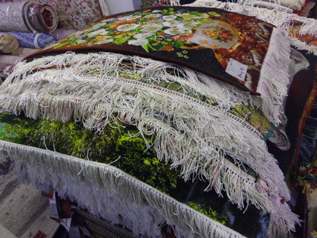 絵画絨毯大量入荷