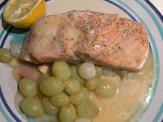 Salmon with Grapes and Onions
