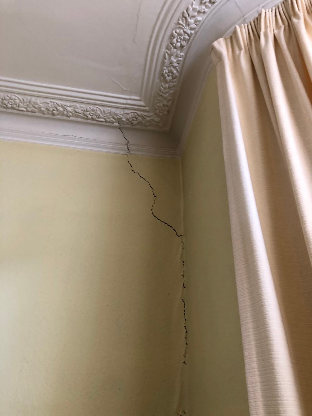 Structural Crack to Wall