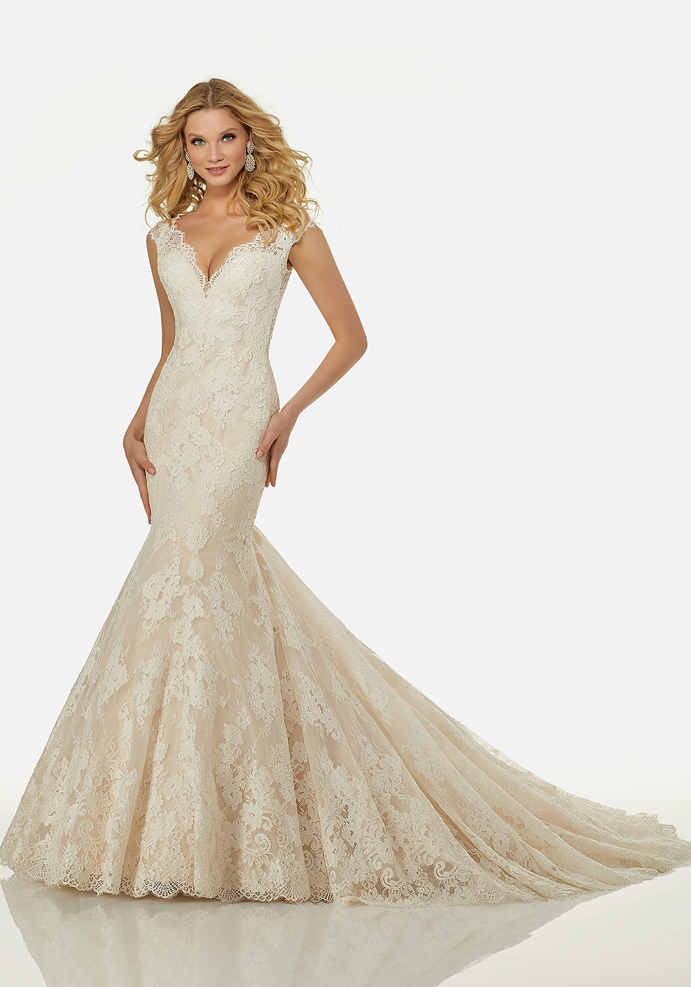 wedding dresses for hourglass brides