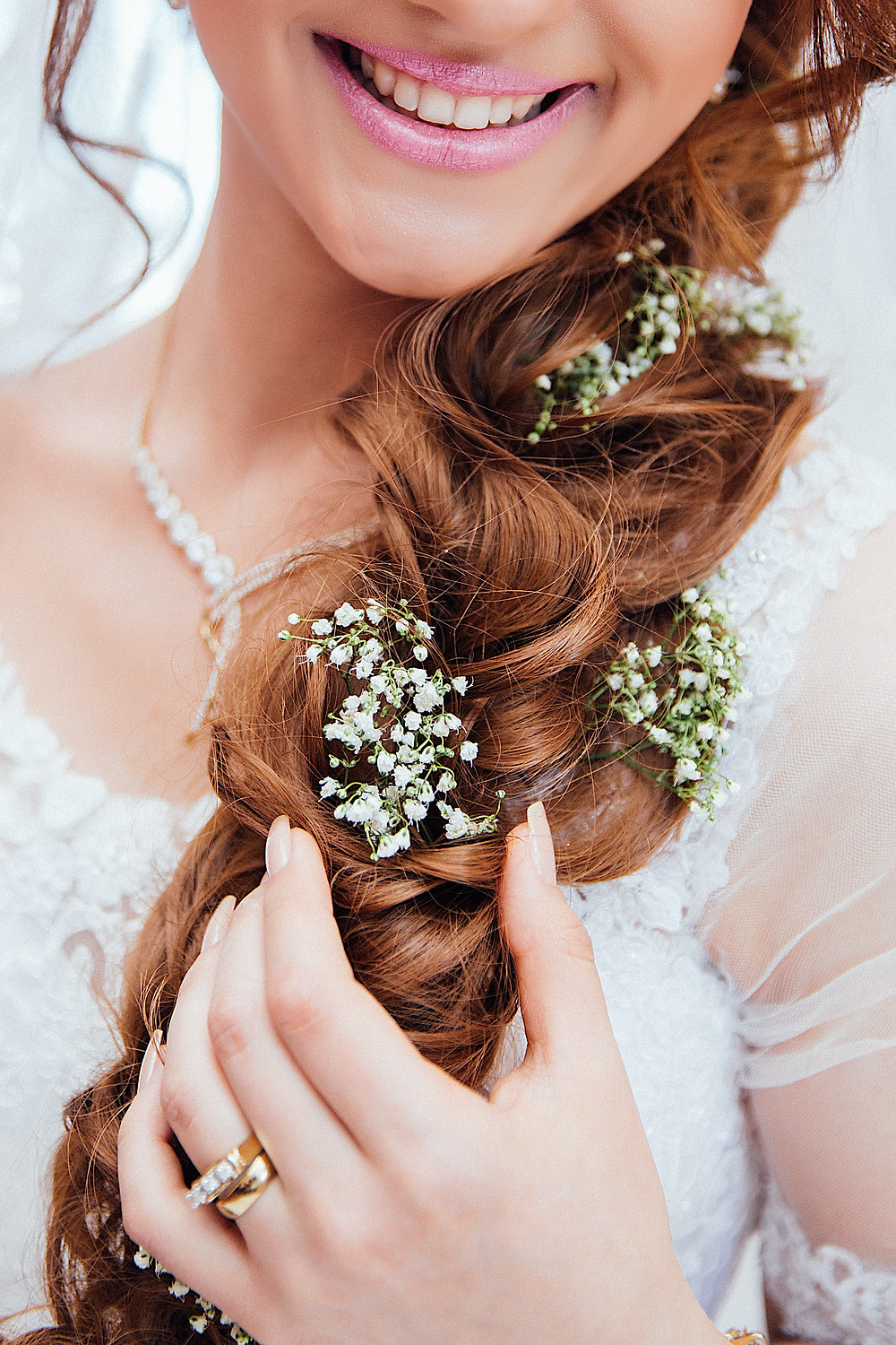 DIY Hair Mask loose curls bride