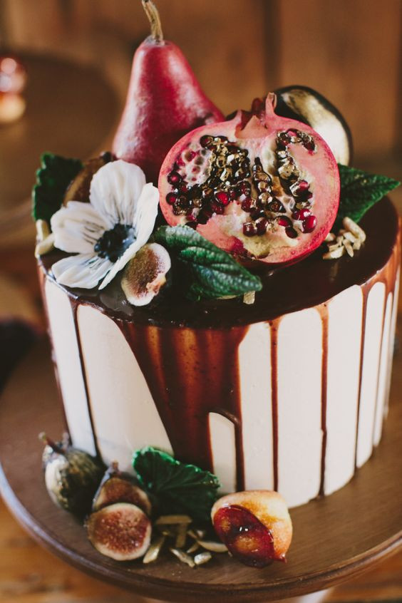 autumn wedding cake pomegranate