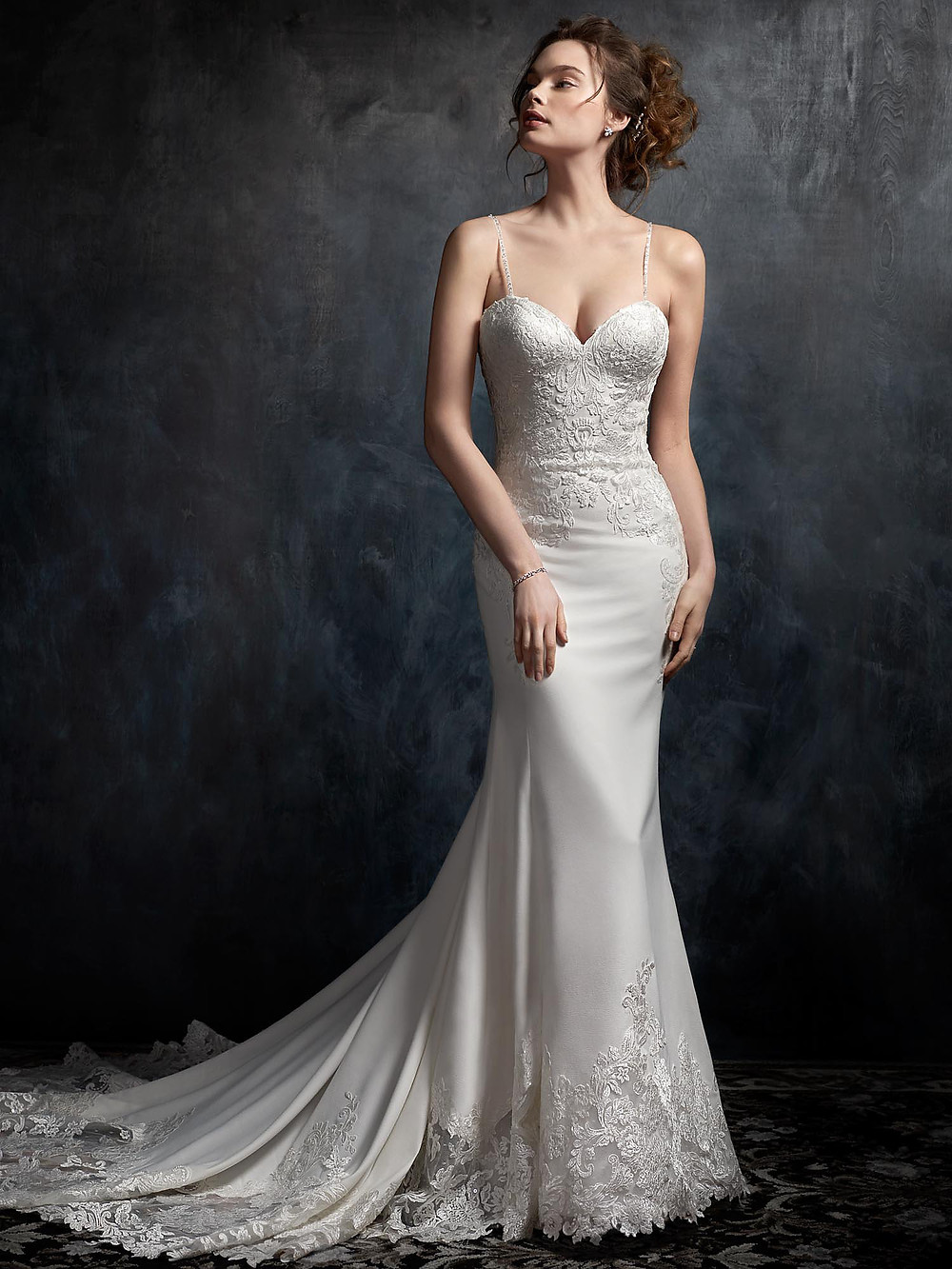 wedding dresses for straight body types