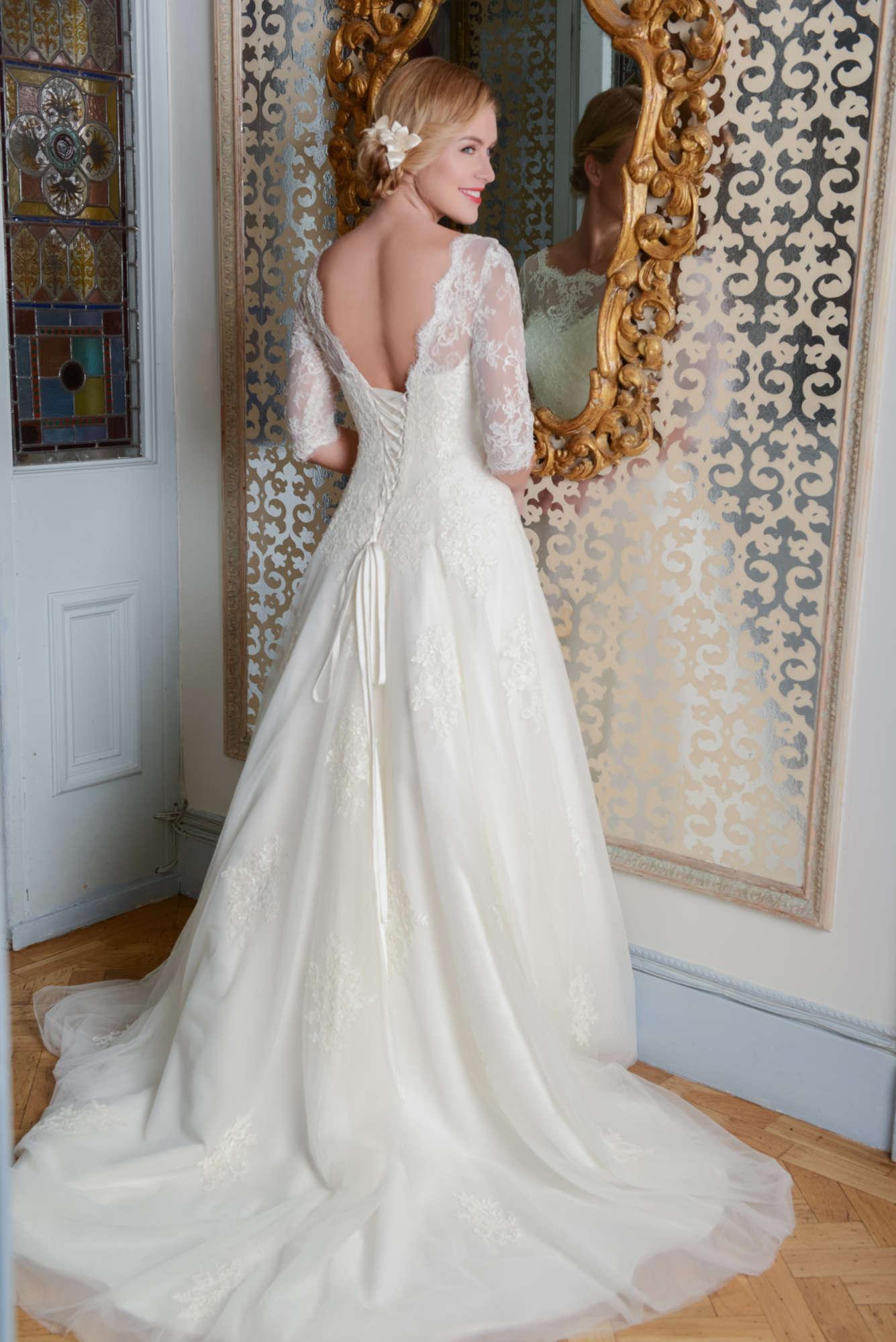 R1092   White Rose Bridal