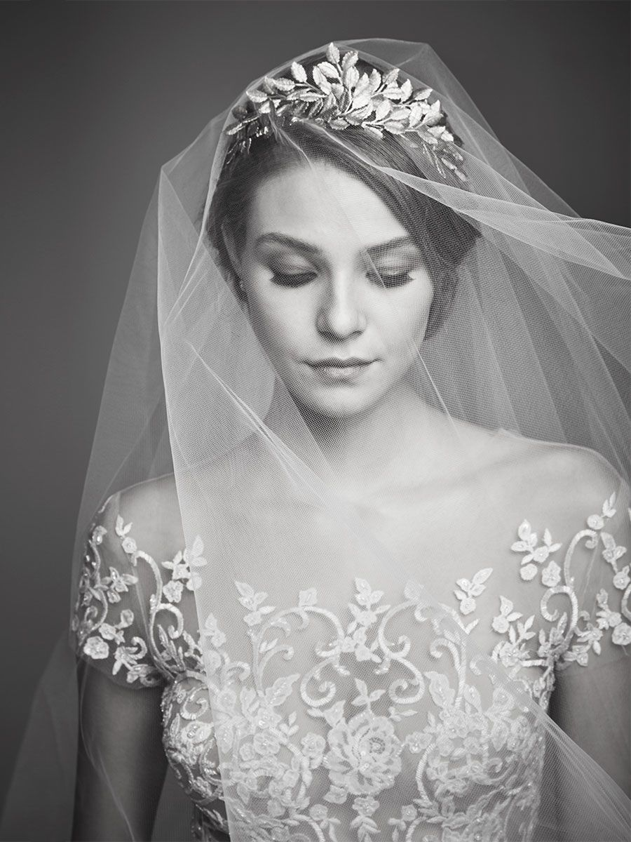 How do I choose the right Wedding Veil? | Brides & Bustles Wedding ...