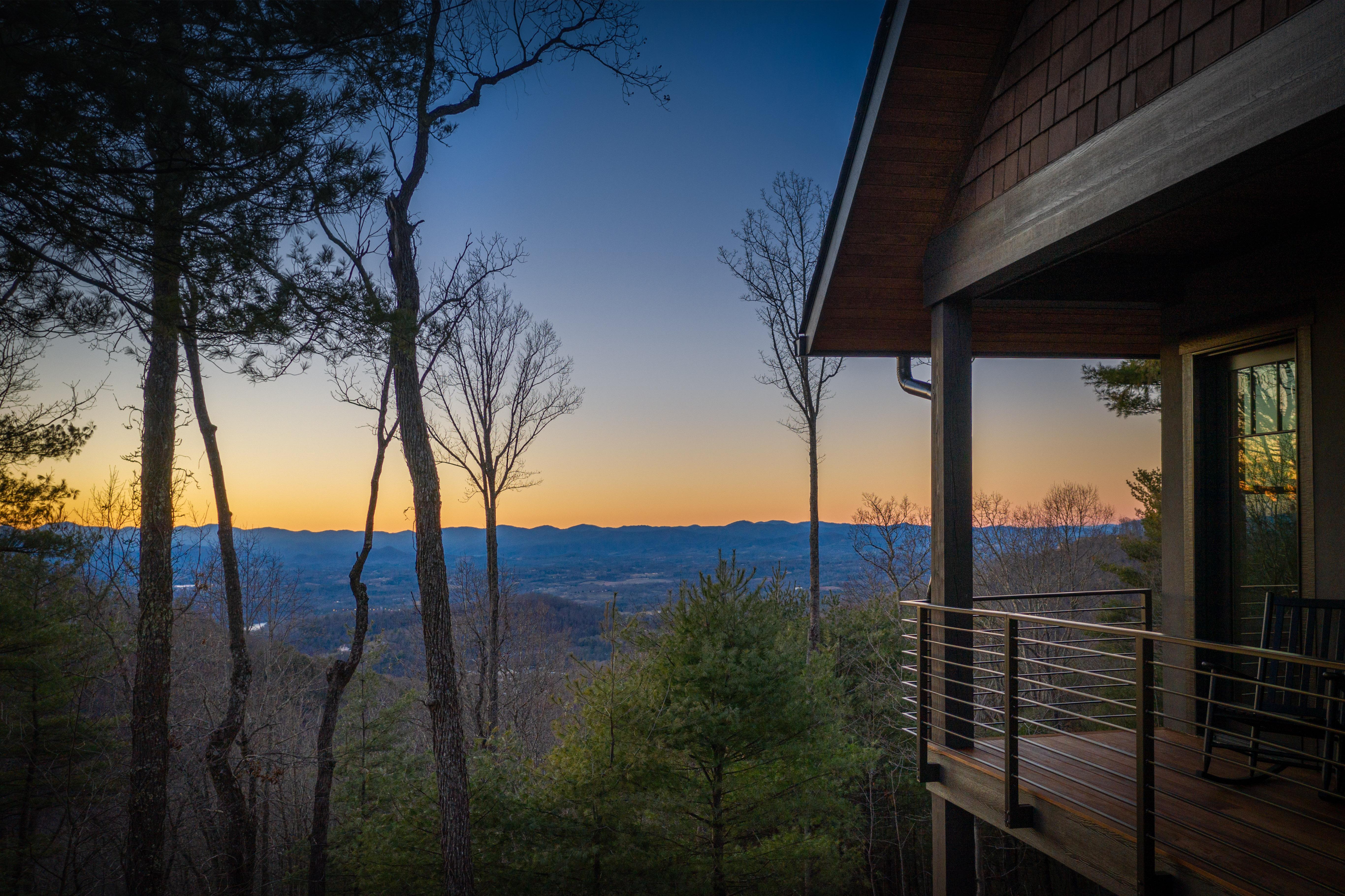 692 Altamont View-127