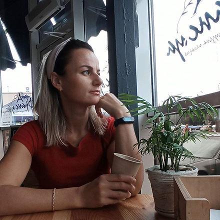 Аня Арцебовская.jpg