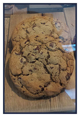 Try It Tuesday: Hot Mocha + Chocolate Chip Cookies