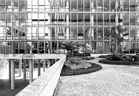 Oscar_Niemeyer,_Ministerium_für_Erziehun