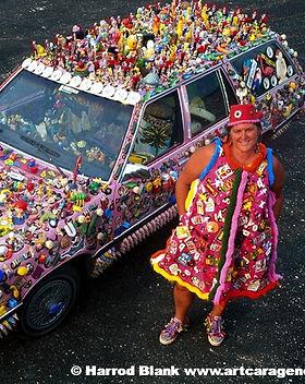 love-23-art-car-kate-pearson-art-car-age