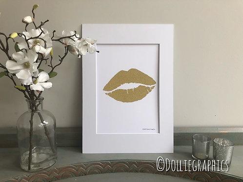 Simply Prints - Gold Glitter Lips Print