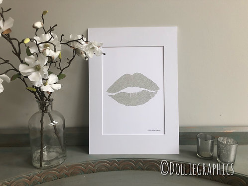 Simply Prints - Silver Glitter Lips Print