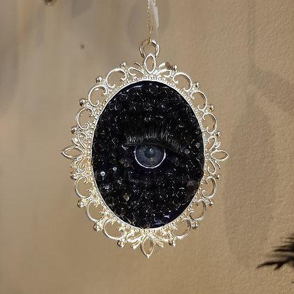 collier médaillon oeil strass perles créateur Catherine Guerre boutique Cam Le Mac