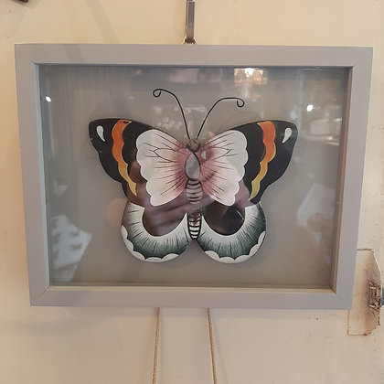cadre papillon en bois