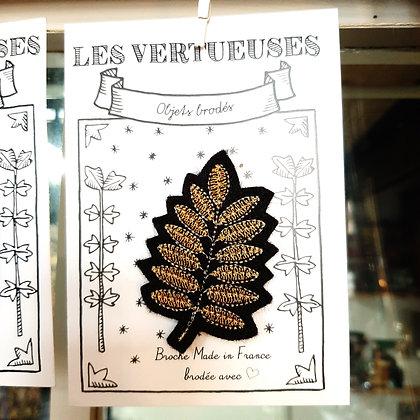broche brodée feuille dorée les Vertueuses boutique Cam LE MAC
