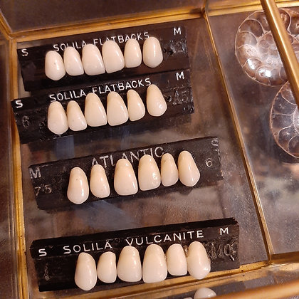 broches dents
